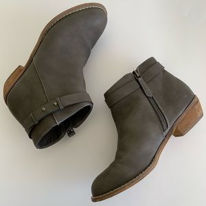 Harper Canyon Ankle Boots [Girls Sizes 3 and 4]